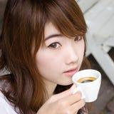 Z kawa espresso ładna dziewczyna coffee02 Fotografia Stock