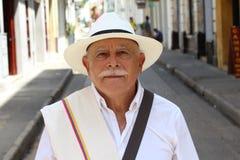 Z klasą Kolumbijski starsza osoba mężczyzna outdoors obraz royalty free