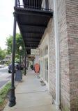 Z kości słoniowej szafa przy schronienia miasteczkiem w W centrum Memphis obraz royalty free