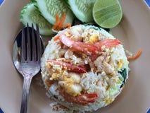 Z krabem smażący ryż Fotografia Stock