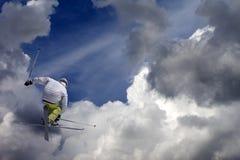 Z krzyżować nartami narciarska styl wolny bluza zdjęcie stock