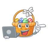 Z laptopu Easter koszykową piłką w kreskówka kształcie royalty ilustracja