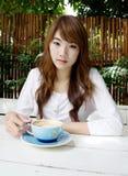 Z latte ładna dziewczyna coffee03 obraz stock