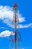 Z mikrofali połączeniem telekomunikacja maszt Zdjęcia Stock