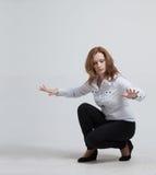 z nowoczesnej technologii Kobieta pracuje z futurystycznym Zdjęcia Royalty Free