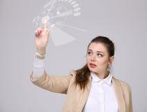 z nowoczesnej technologii Kobieta pracuje z futurystycznym interfejsem Obraz Stock