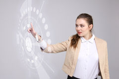 z nowoczesnej technologii Kobieta pracuje z futurystycznym interfejsem Obraz Royalty Free