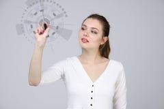 z nowoczesnej technologii Kobieta pracuje z futurystycznym interfejsem Obrazy Stock