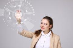 z nowoczesnej technologii Kobieta pracuje z futurystycznym interfejsem Zdjęcia Stock