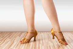 Złoci tanów buty Fotografia Stock