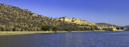 Złocista fort panorama z jego odbiciem Obraz Royalty Free
