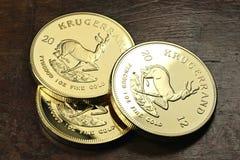 1 złocistej sztaby uncjowe monety Obraz Stock