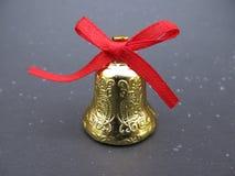 Złocisty dzwon na ciemnym tle Fotografia Stock