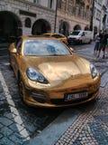Złocisty Porsche Zdjęcia Stock