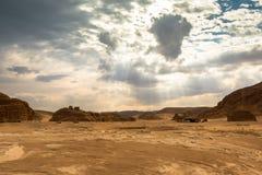 Złocisty suchy pustynia krajobraz Synaj, Egipt Obraz Royalty Free