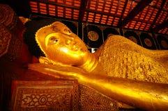 Złota Buddha statua, Tajlandia Obrazy Royalty Free
