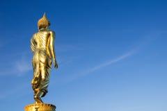 Złota Buddha statua, Wat Phra Który Khao Noi, Nan prowincja, Tha Obraz Stock