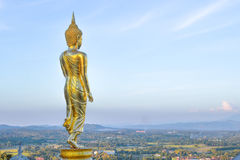 Złota Buddha statua, Wat Phra Który Khao Noi, Nan prowincja, Tha Obrazy Stock