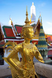 Złota kinnon statua (kinnaree) Obraz Stock