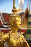 Złota kinnon statua (kinnaree) Obrazy Stock