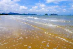 Złota piasek fala, wiatr i Obrazy Royalty Free