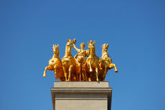 Złota statua na Cascada fontannie w Barcelona Obrazy Royalty Free