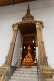 Złote Buddha A drzwiowej ramy obwódki Fotografia Royalty Free