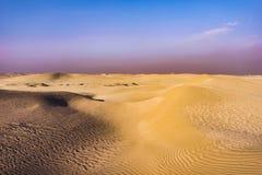Złote diuny Horizonless pustynia, UAE Zdjęcie Stock