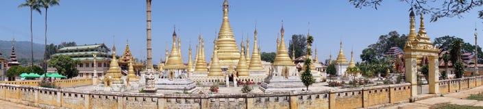 złote stupas Zdjęcia Stock