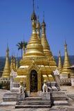 złote stupas Zdjęcie Stock
