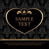 Złoty etykietki serce na adamaszkowym czarnym tle Zdjęcie Stock
