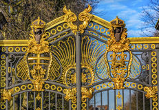 Złoty Kanada Maroto bramy buckingham palace Londyn Anglia zdjęcia stock