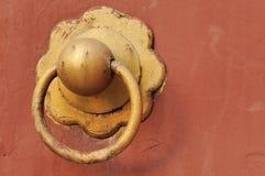 złoty knocker Obrazy Royalty Free