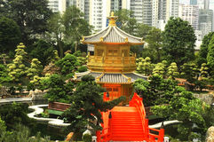 złoty orientalny pawilon Zdjęcia Stock