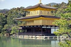Złoty pawilon - Kinkaku-ji Zdjęcia Stock