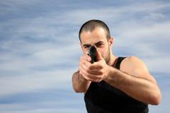 Z pistoletem męski ochroniarz zdjęcia stock