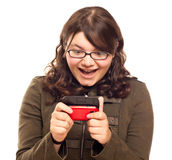 z podnieceniem texting kobieta Zdjęcia Stock