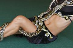 Z pytonem orientalna kobieta obraz royalty free