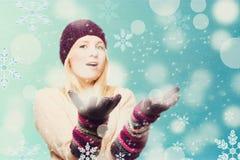 Z snowboard piękno młoda dziewczyna zdjęcie stock