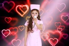 Z stetoskopem żeńska pielęgniarka Fotografia Royalty Free