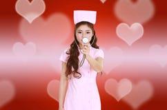 Z stetoskopem żeńska pielęgniarka Fotografia Stock