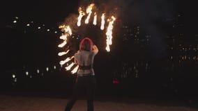 Z w?osami firegirl taniec z p?on?? fan zbiory wideo