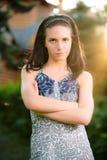 z włosami piękna ciemna dziewczyna Zdjęcia Royalty Free