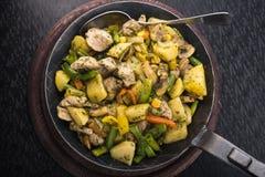 Z warzywami smażyć grule Zdjęcia Stock