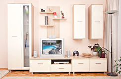 Z wewnętrzny izbowy meble odkłada telewizor Zdjęcie Stock