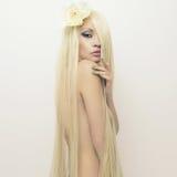 Z wspaniałym włosy piękna dama Obrazy Stock