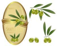 Z zielonymi oliwkami żółta etykietka. Obraz Stock