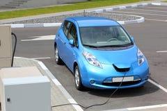 załadować samochód elektryczny Zdjęcie Royalty Free