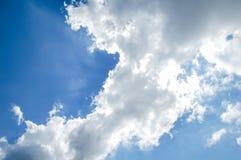 Zaświecać Chmurnieje na niebie Obrazy Royalty Free