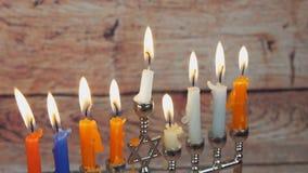 Zaświecać Hanukkah świeczek Hanukkah świętowanie zdjęcie wideo